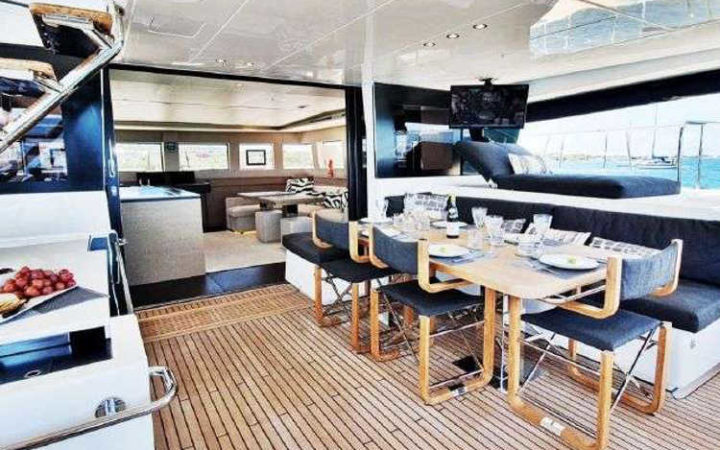 MARE BLU power catamaran yacht charter aft-deck