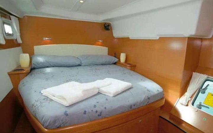 ALIZÉ catamaran yacht charter cabin-1
