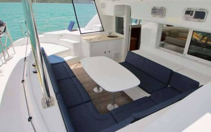 ALIZÉ catamaran yacht charter cockpit