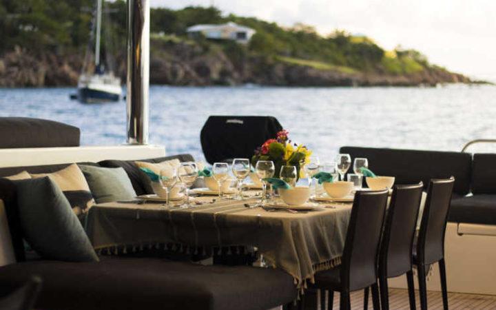 MAHASATTVA catamaran yacht charter - dining-al-fresco