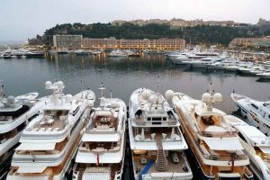 Yacht charter broker – Do I need one?